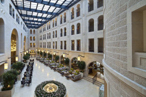 Hotel's attrium קרדיט עמית גרון